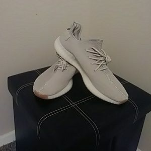 Adidas yeezy boost 350v2. Sesame. Size 11